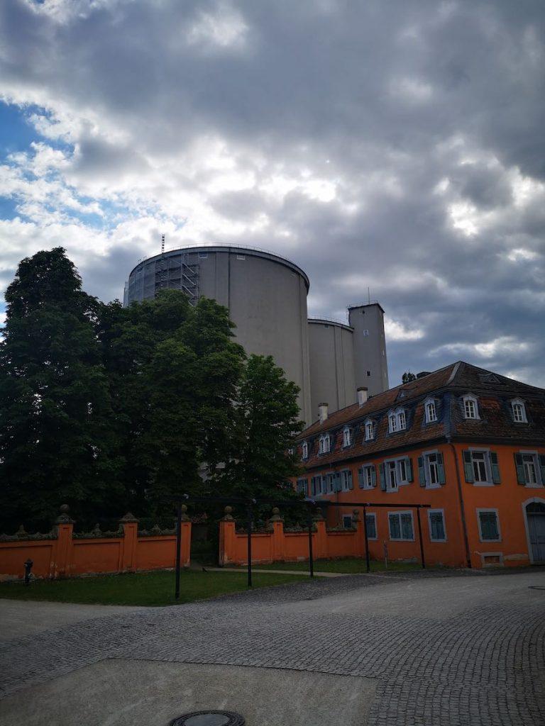 Eremitage mit den letzten Wahrzeichen der ehemaligen Zuckerfabrik